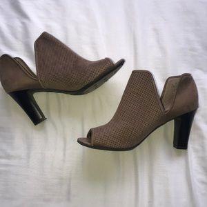 WORN ONCE life stride 7.5 heels/ankle booties